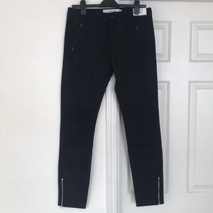 Other - Stretched Skinny Pant